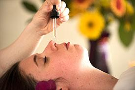 Nasya -Sinus + Chest De-congestion - Herbal oils for the sinuses60m $ 90 | 15m $2560m includes massage for the head, neck and shoulders and steamed towels and eucalyptus body rub for the chest
