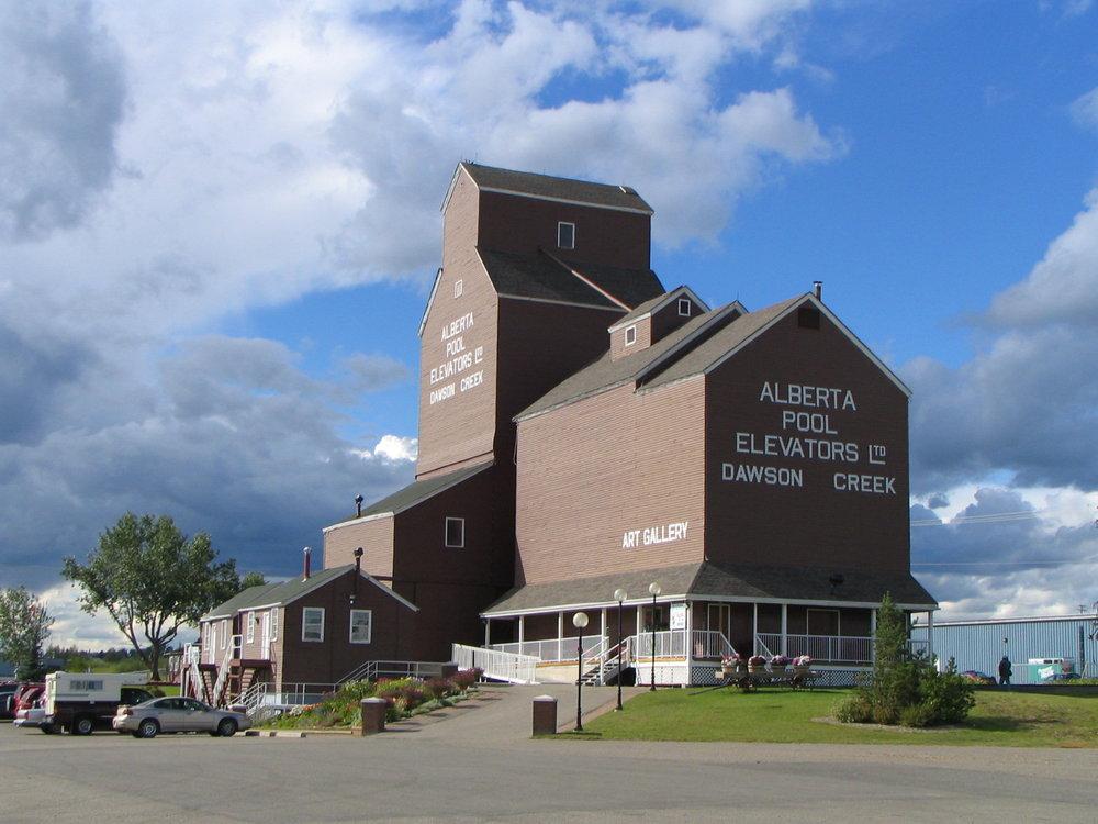 Maclean25 ,  Dawson Creek Art Gallery ,  CC BY-SA 3.0
