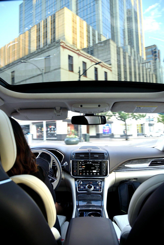 Lincoln-Continental-Interior-Austin