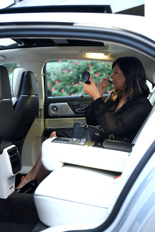 Lincoln-Continental-Black-Label-Rear-Controls