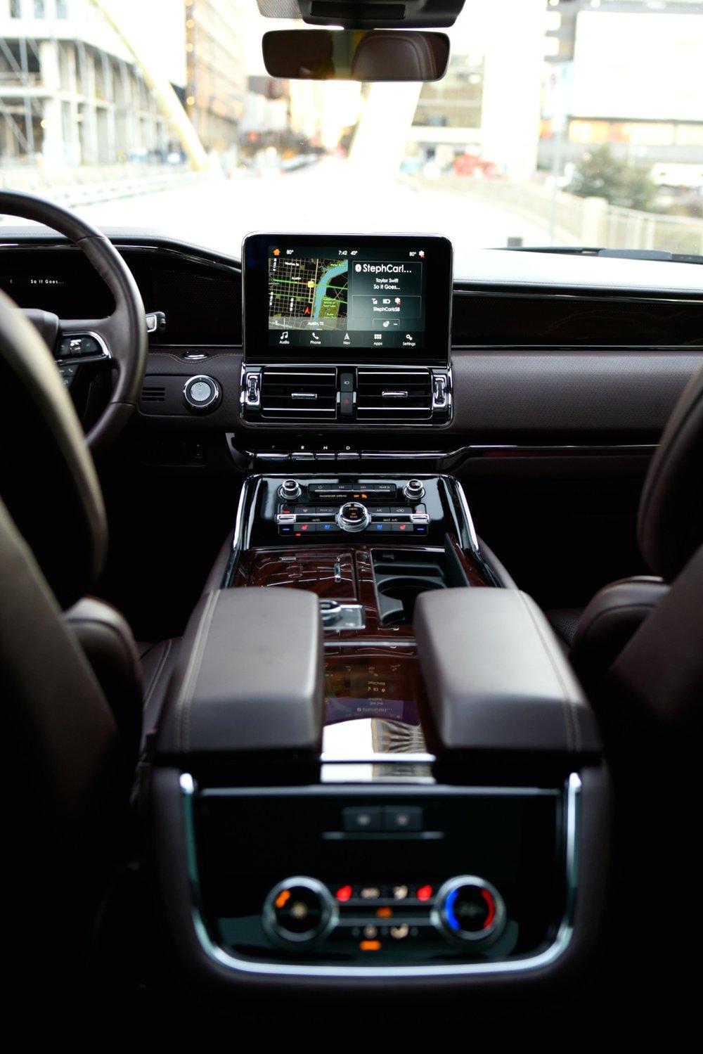 LincolnNavigator-Interior2.jpg