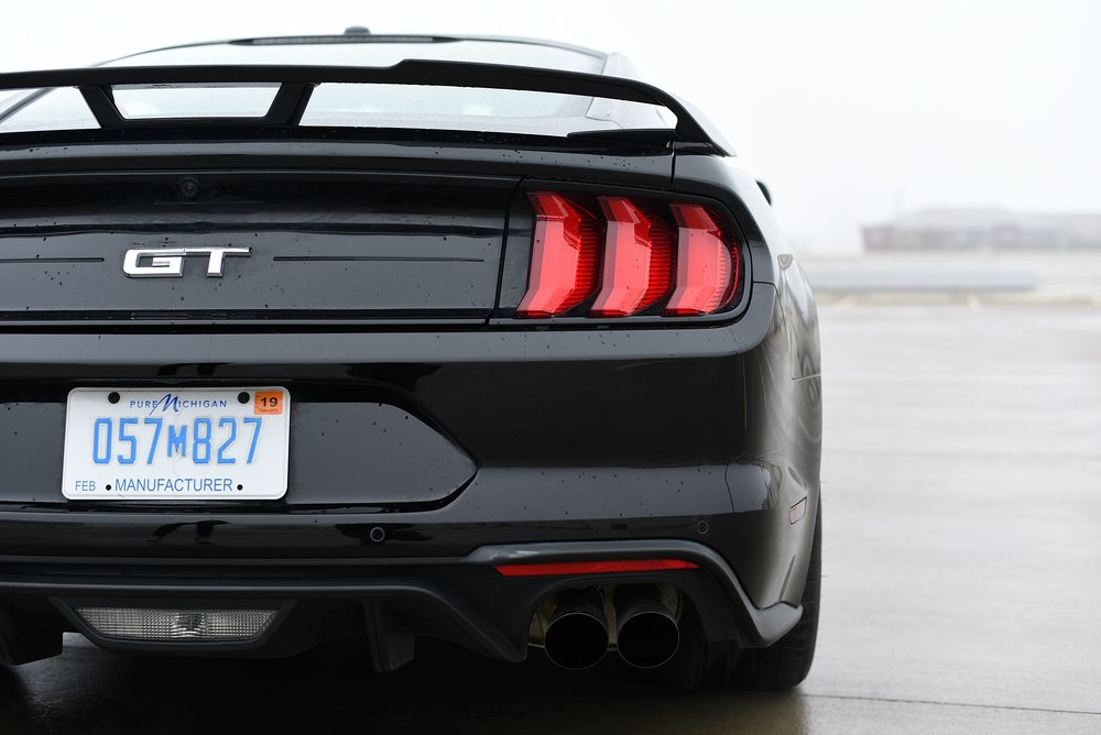 Mustang-Tail-Lights-GT.jpg