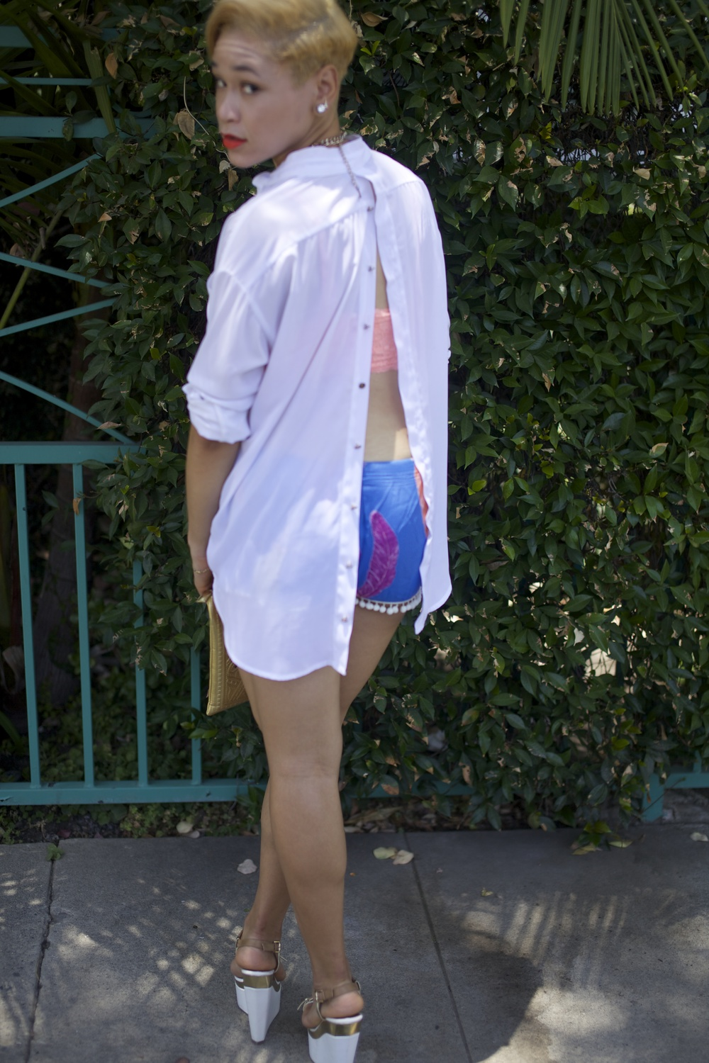 Shorts: Melissa Lauren Shirt, Shoes:  AMI Clubwear  Earcuff, Necklace, Clutch:  ShopLatley