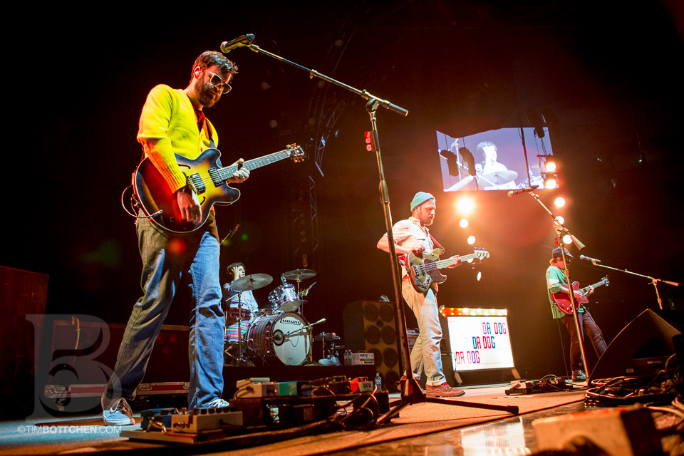 Dr-Dog-Chaifetz-Arena-06-3215.jpg