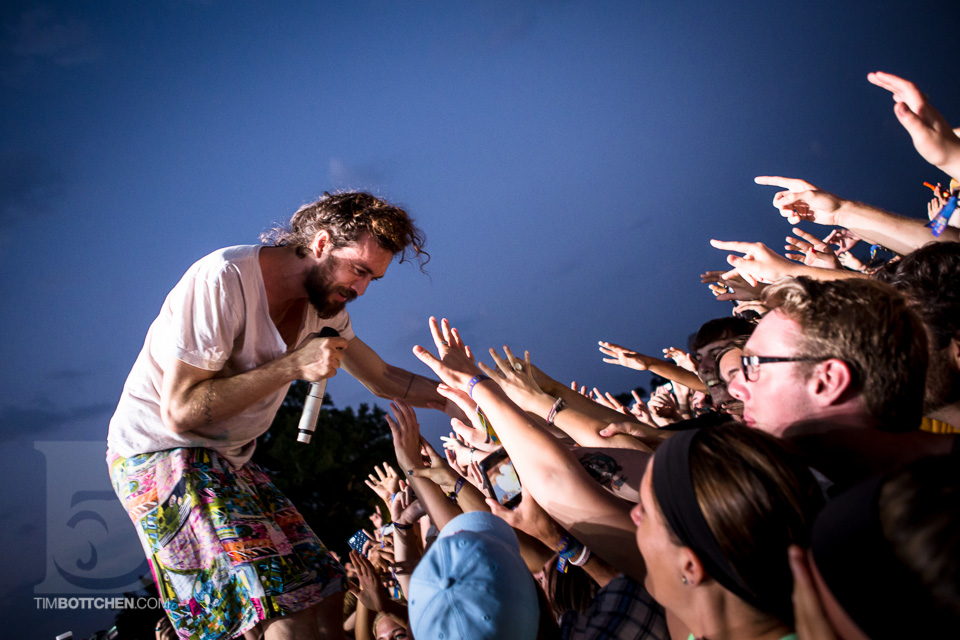 LouFest-Edward-Sharpe-and-The-Magnetic-Zeros-02-1729.jpg