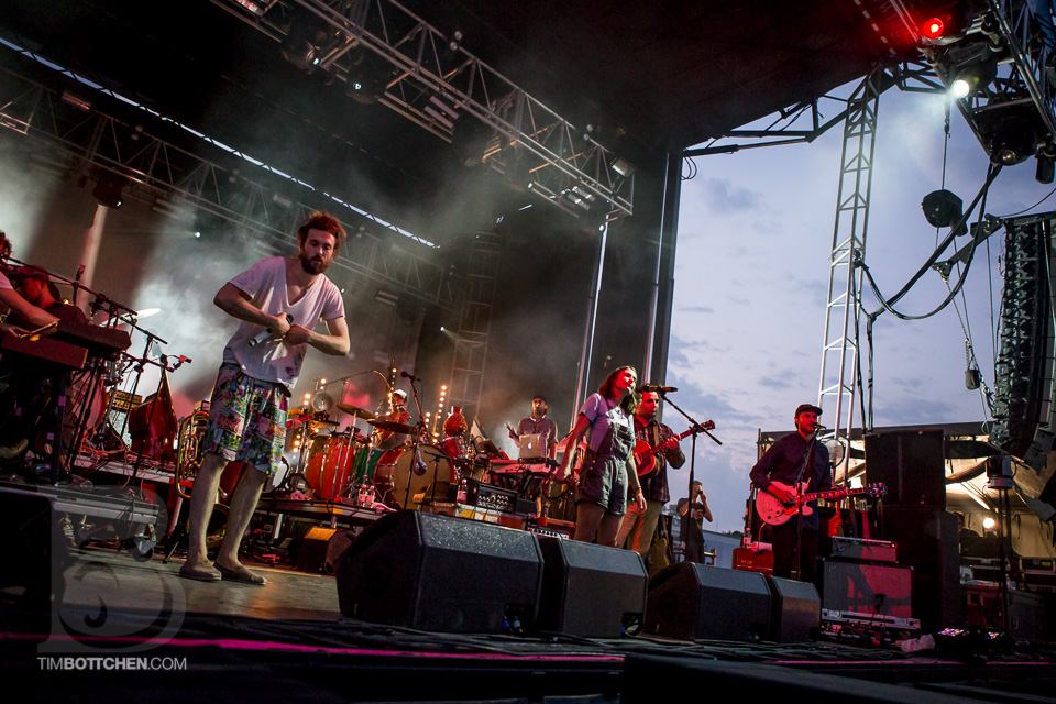 LouFest-Edward-Sharpe-and-The-Magnetic-Zeros-01-1698.jpg