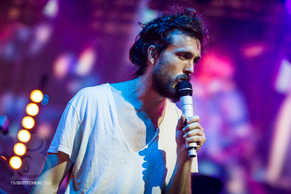LouFest-Edward-Sharpe-and-The-Magnetic-Zeros-05-5787.jpg