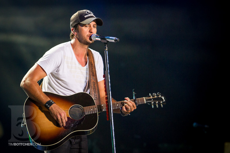Luke-Bryan-Verizon-Wireless-Amphitheater-06-3187.jpg