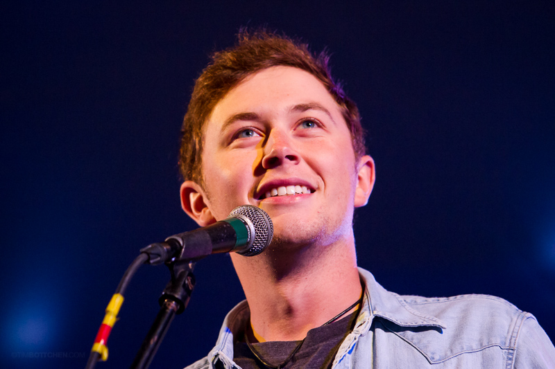 Scotty-McCreery-Chesterfield-Amphitheater-41-9110.jpg