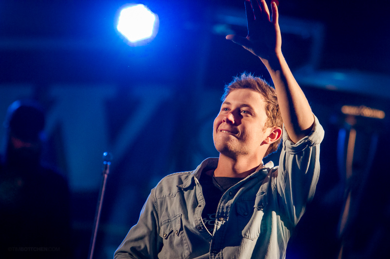 Scotty-McCreery-Chesterfield-Amphitheater-46-9144.jpg