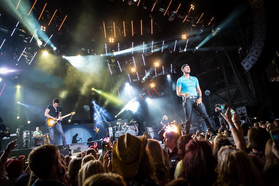 Luke-Bryan-Verizon-Wireless-Amphitheater-08-3523.jpg