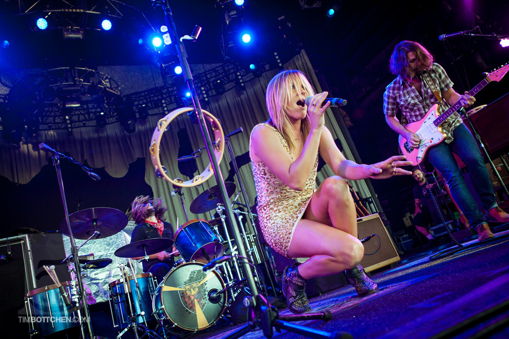 Grace-Potter-and-the-Nocturnals-Verizon-Wireless-Amphitheater-04-6819.jpg