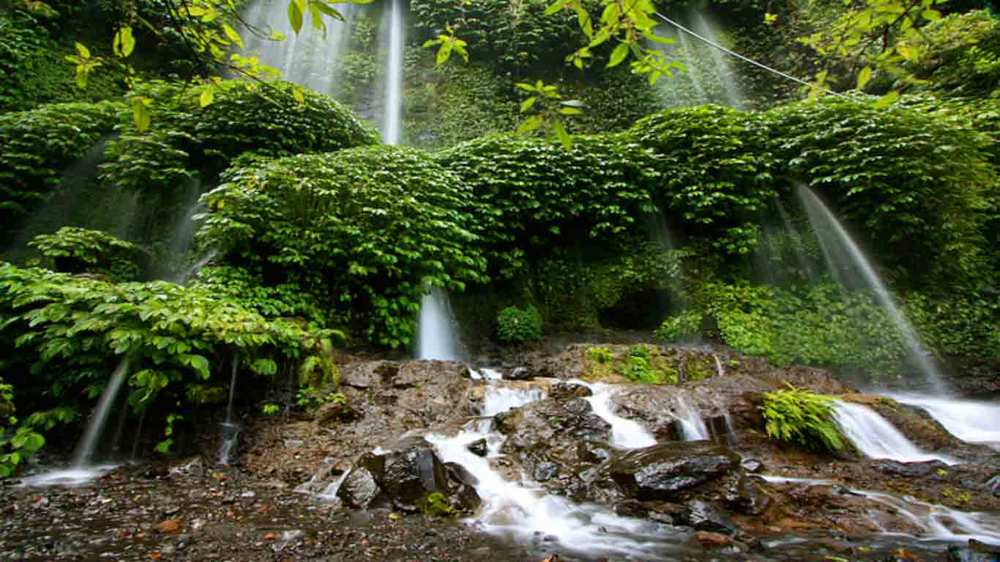 Gili-Trawangan-Lombok-Activities-Lombok-Tours-Trip-Trekking-Sightseeing-Mountain-Climb-Rinjani-02.jpg