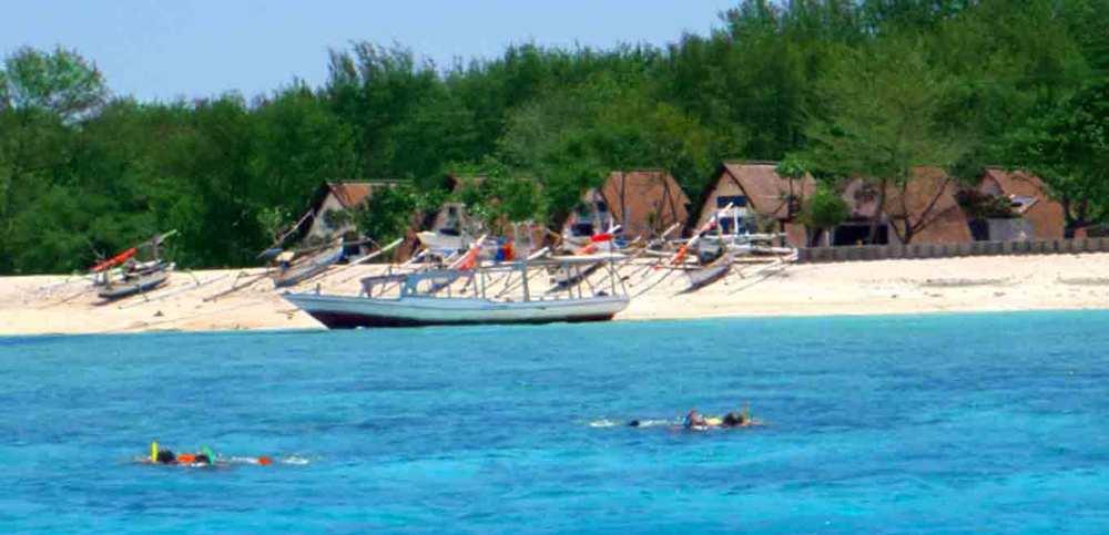 Gili-Trawangan-Lombok-Activities-Snorkeling-Swimming-Swim-Ocean-04.jpg