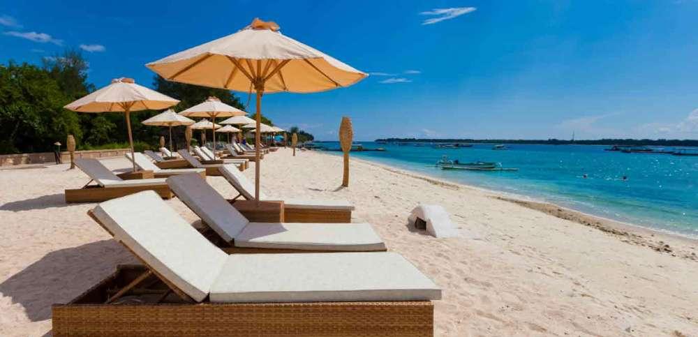 Gili-Trawangan-Lombok-Hotel-Rooms-Facilities-Beach-Beachfront-Ocean-Sun-Chair-White-Sand-04.jpg