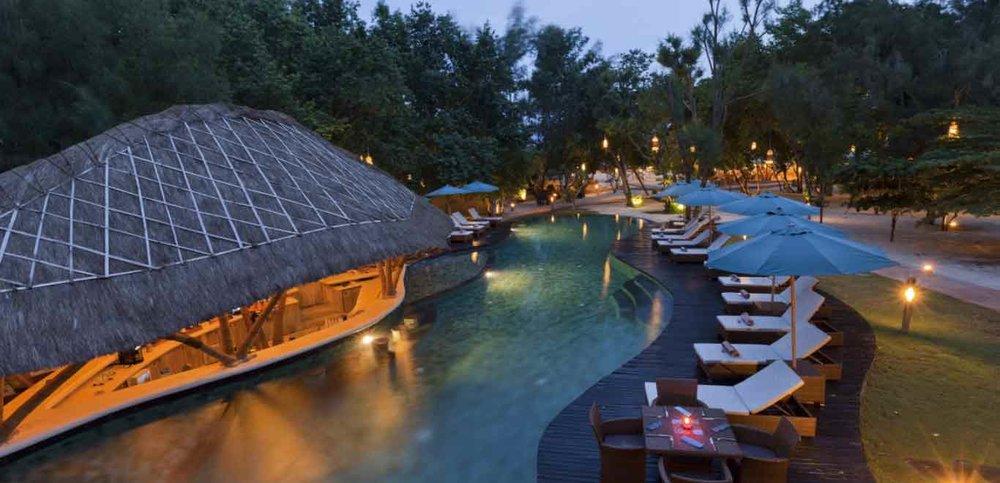 07-Gili-Trawangan-Lombok-Hotel-Rooms-Facilities-Swimming-Pool-Swim-Pool-Bar-06.jpg