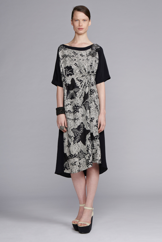 745/S141540 Spiral Shibori Sleeved Dress with Tuck