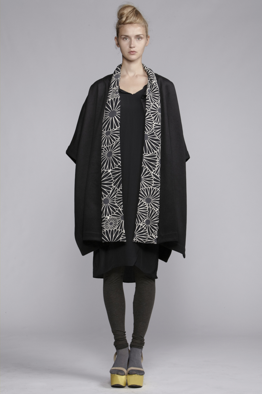 210/A131528 Spiral Shibori Collar Panel Dress     600/A136132 Leggings     850/A138206 Wool Felt Cape