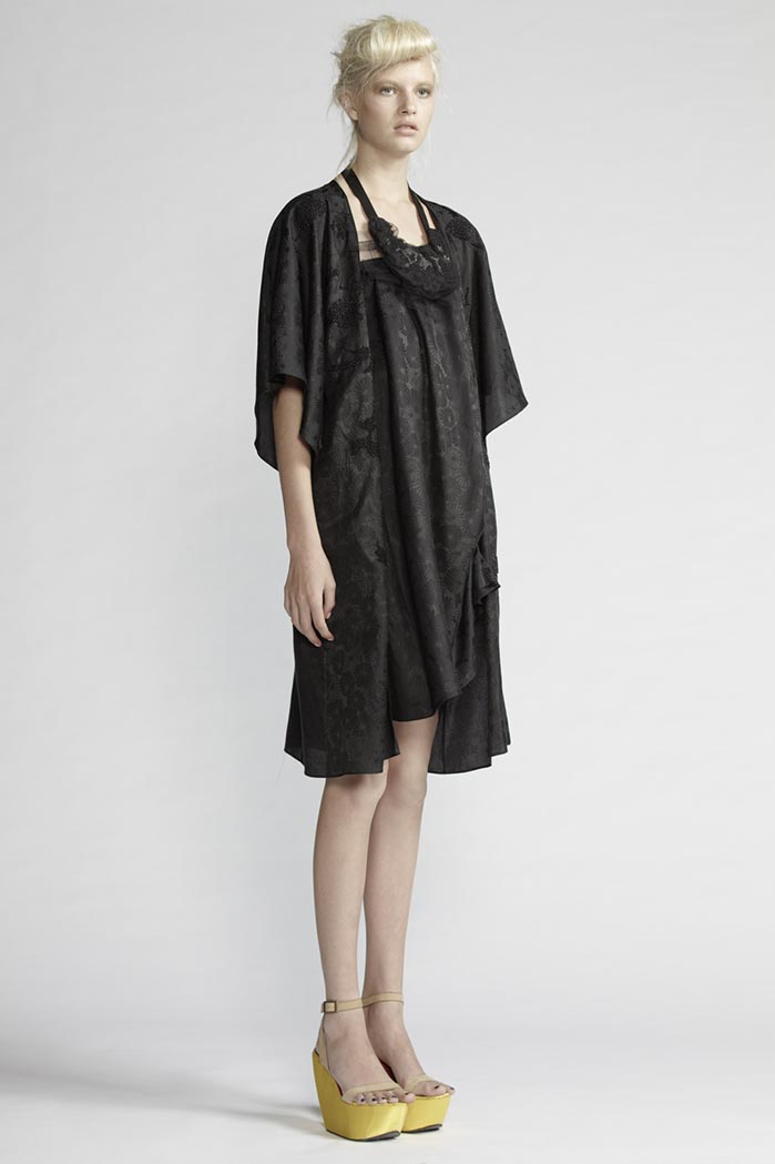 150/F25221 Spiral Shibori Skirt/Dress    130/F29086 Beaded Kimono
