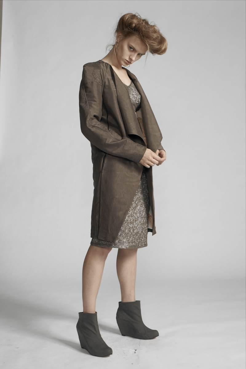 140/S11435 Strap Dress    110/S19080 Coat