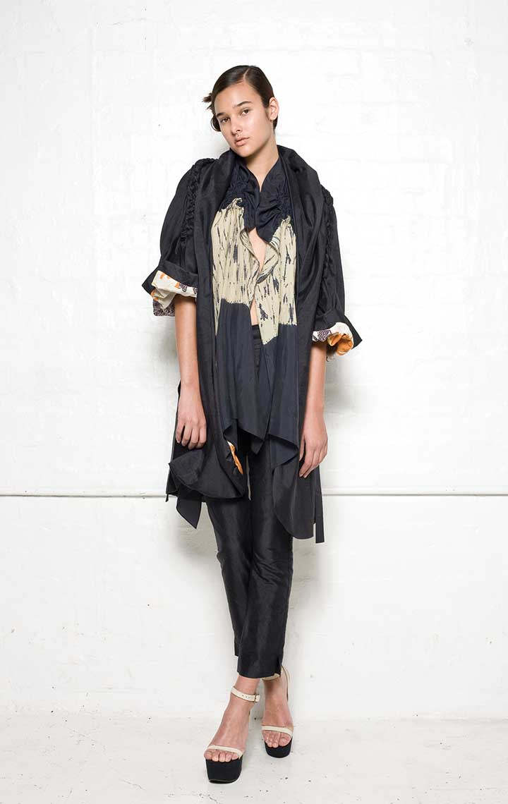 130/S09071 Coat Dress with Plaits    125/S02100 Spiral Shibori Scarf Vest    130/S06112A Narrow Pants