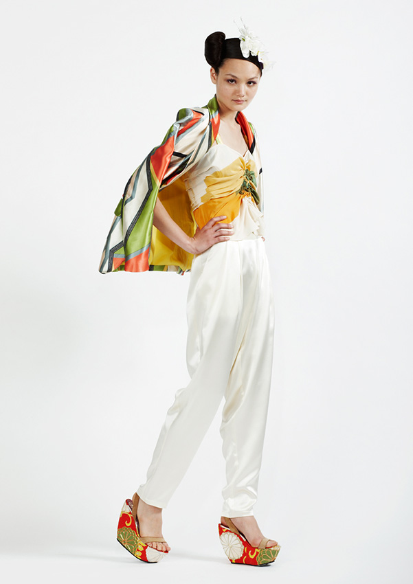 105/S93340 Hand Painted Shibori Top    110/S96108 Tuck Waist Pants    180/S98159B Geometric Print Silk Satin Jacket