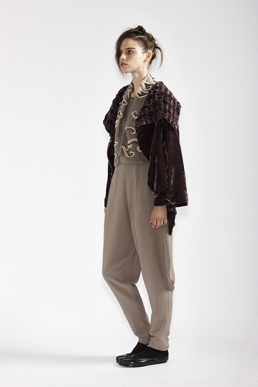 125/A98187 Bolero    215/A93359 Long Sleeve Top    145/A96110 Japanese Workman Pants    185/A98176 Origami Jacket