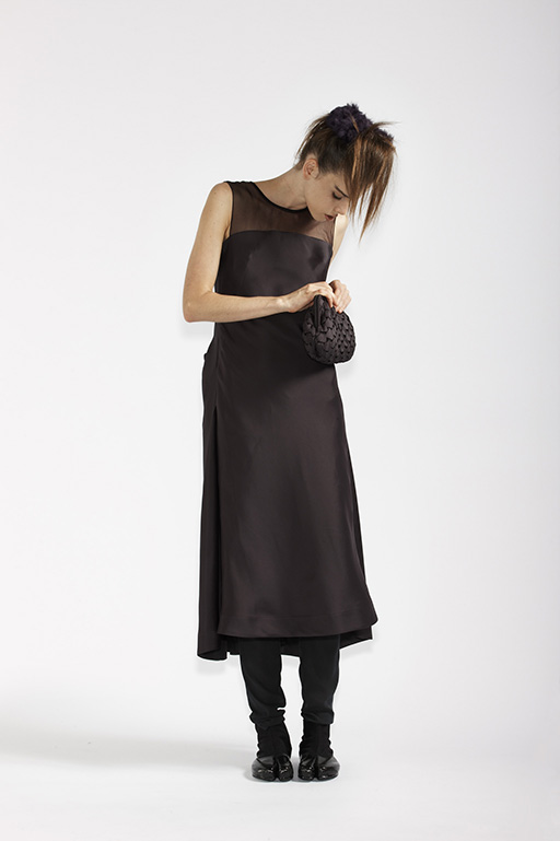 115/A91359 Origami Back Dress    900/A97351B Origami Clutch Bag    210/A9686T Tulle Leggings