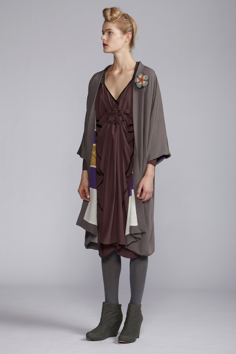 210/A120103 Spiral Shibori Cuff Dress    800/A129092 Reversible Kimono Coat