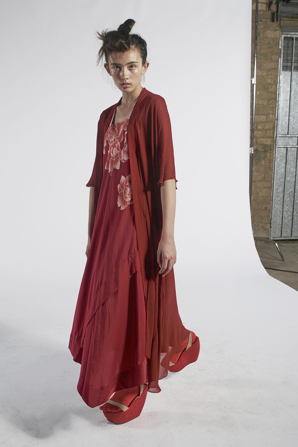 235/A151152 Tie Kimono 591/A151572 Hand Painted Peony Strap Dress