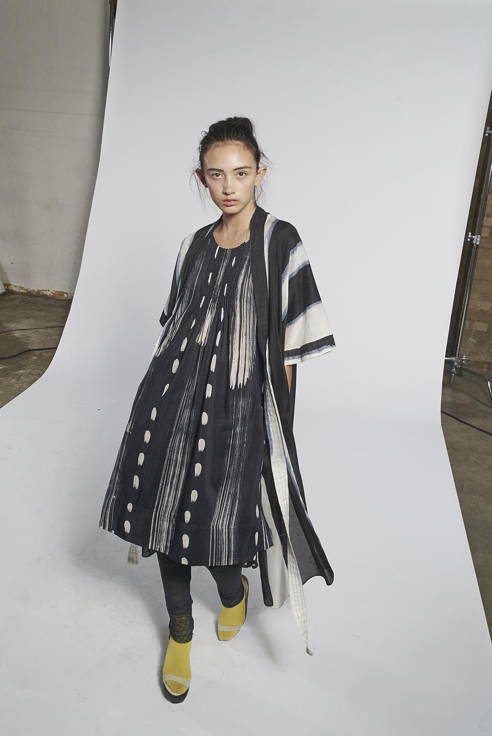 593/A151152 Batik Tie Kimono 593/A157261 Batik Pintuck Tunic with Slip
