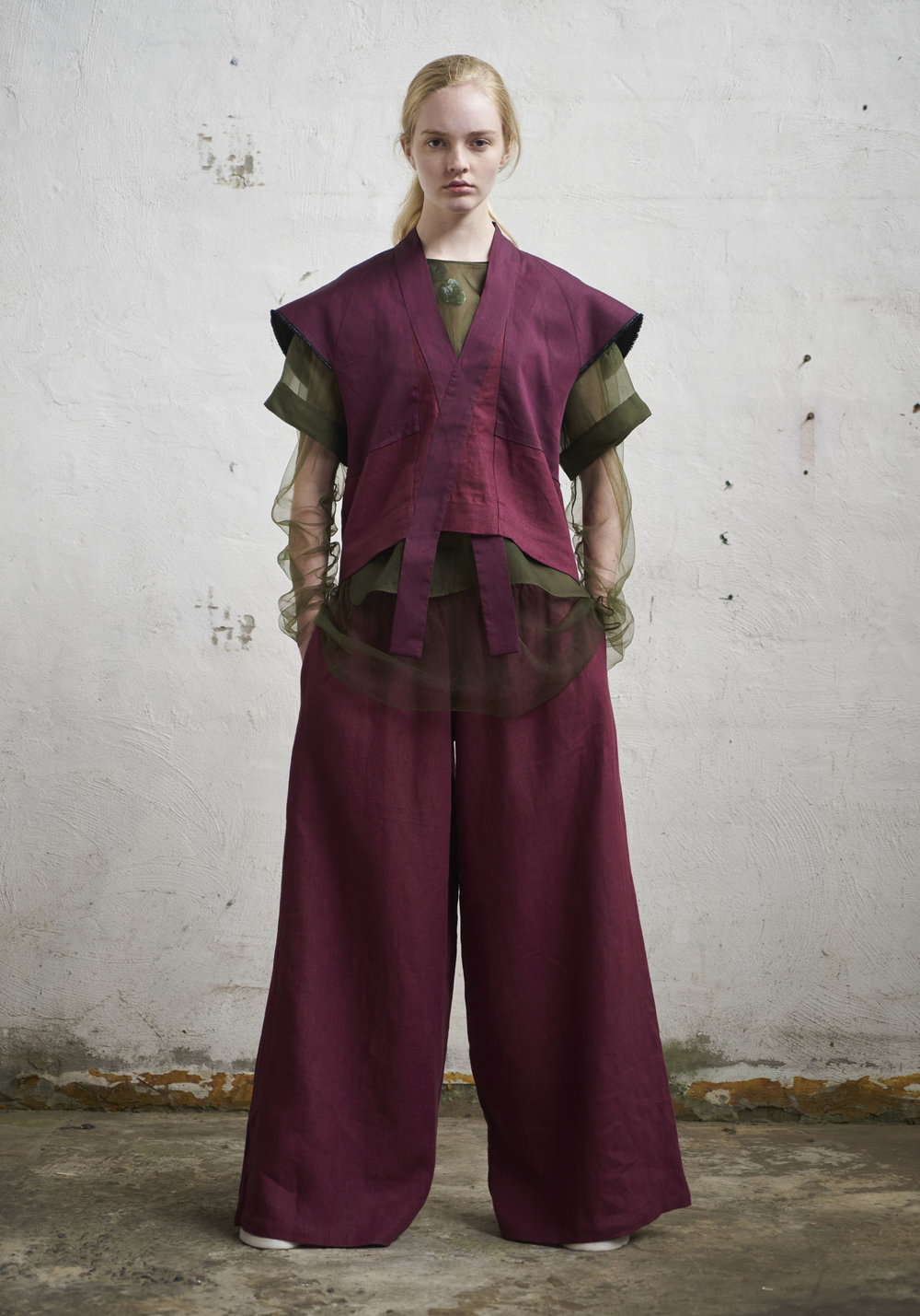 L O O K 1 3  294/S172173 Kimono Vest  912/S176133 Gathered Wide Pants  151/S173446 Embellished Long Sleeve Top  105/S171602R Boxy Top W/Sleeves