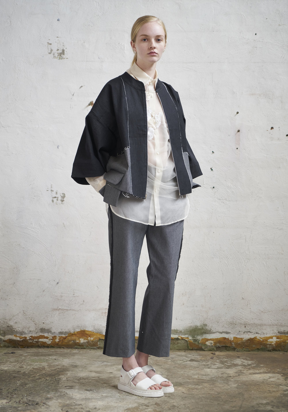 L O O K 1 9  901/S178232 Panelled Zip Jacket W/Kimono Sleeves  901/S176163 Cropped Pants  105/S174080S Organza Collared Shirt  151/S173446 Embellished Long Sleeve Top