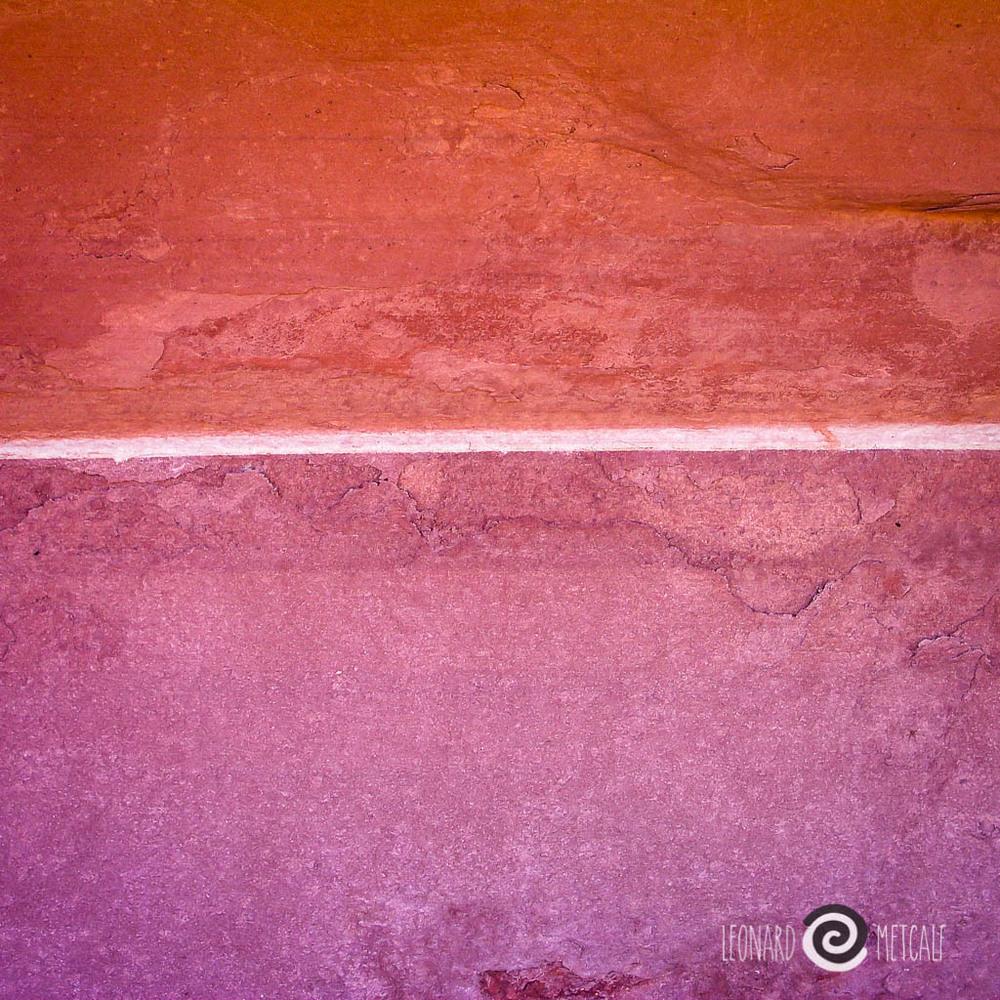 Below the line, Central Australia © Leonard Metcalf 2005 - Analogous colours