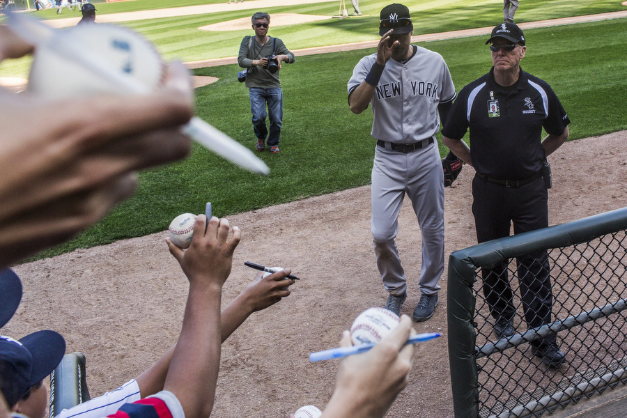 Derek Jeter leaves Chicago for the last time as a player.