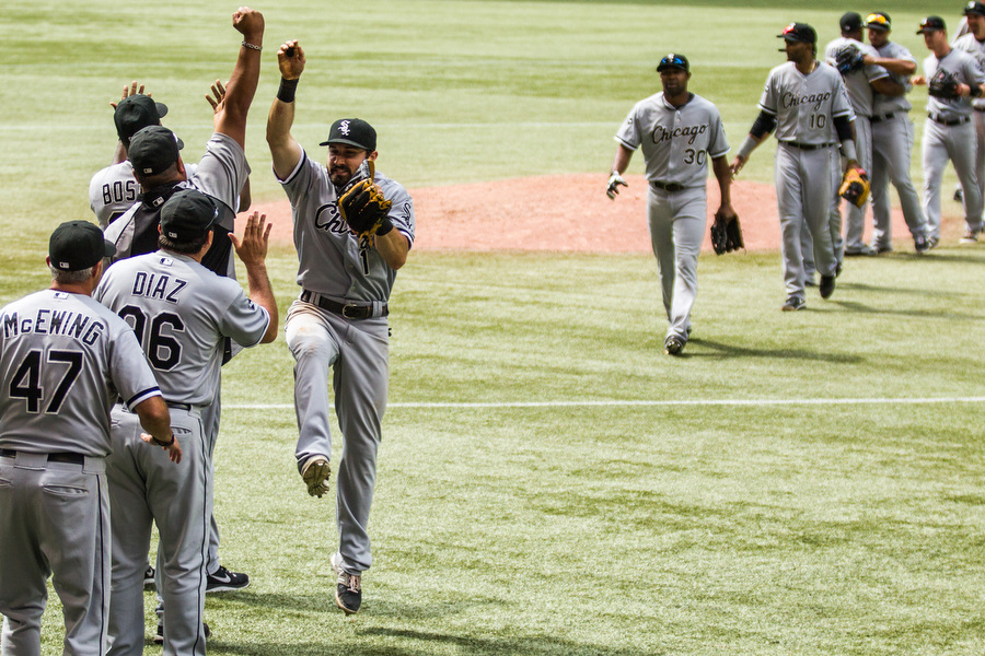 The White Sox celebrate their victory.