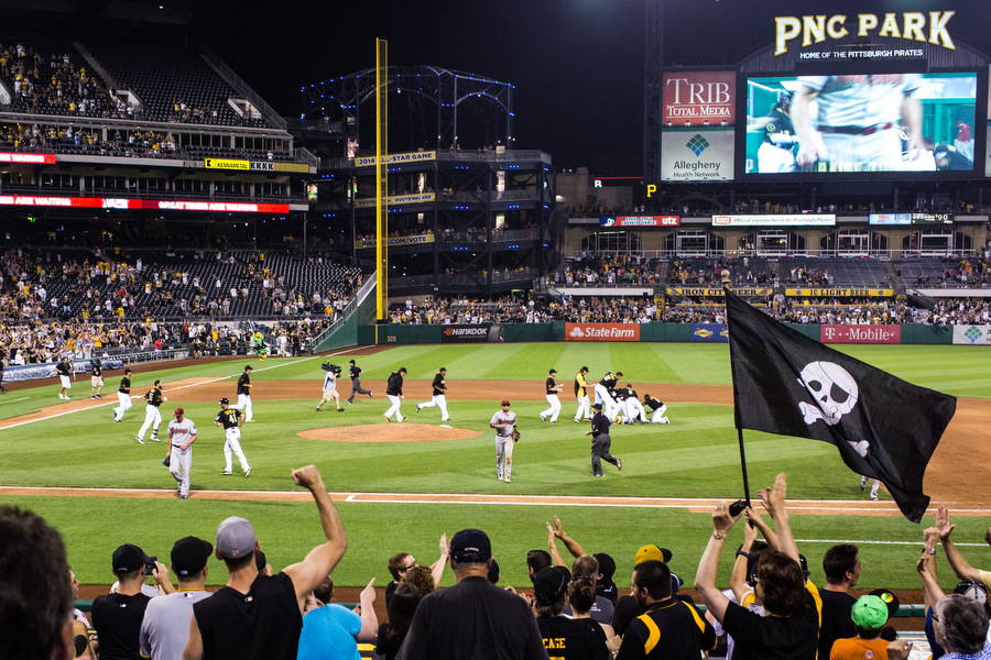 The Pirates win in walk-off fashion.