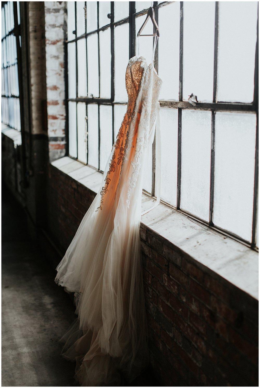 treaty oak glass factory wedding_mia dimare photography1.jpg