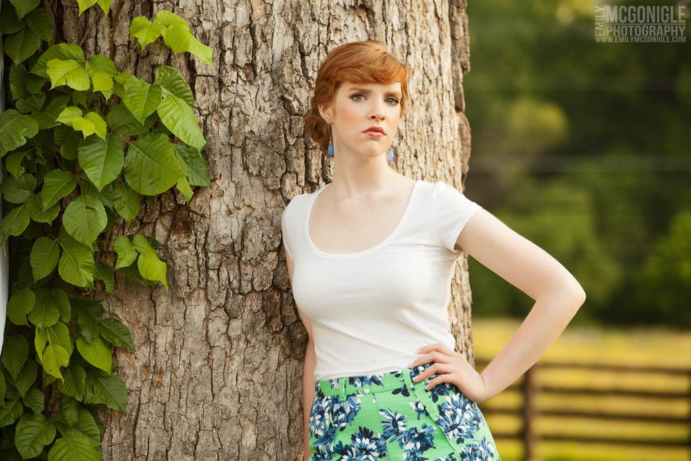 portrait-tree-red-hair-girl.jpg