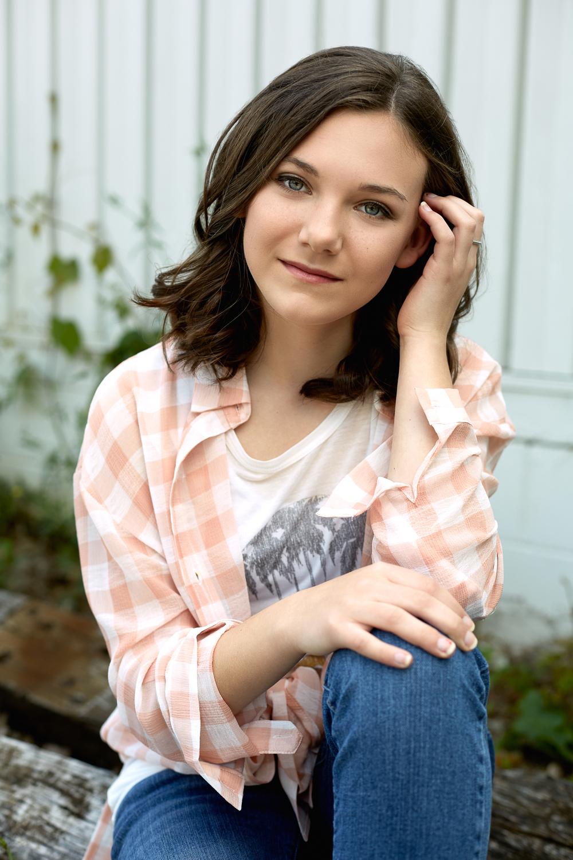 T-shirt & Button-up: Molly Green
