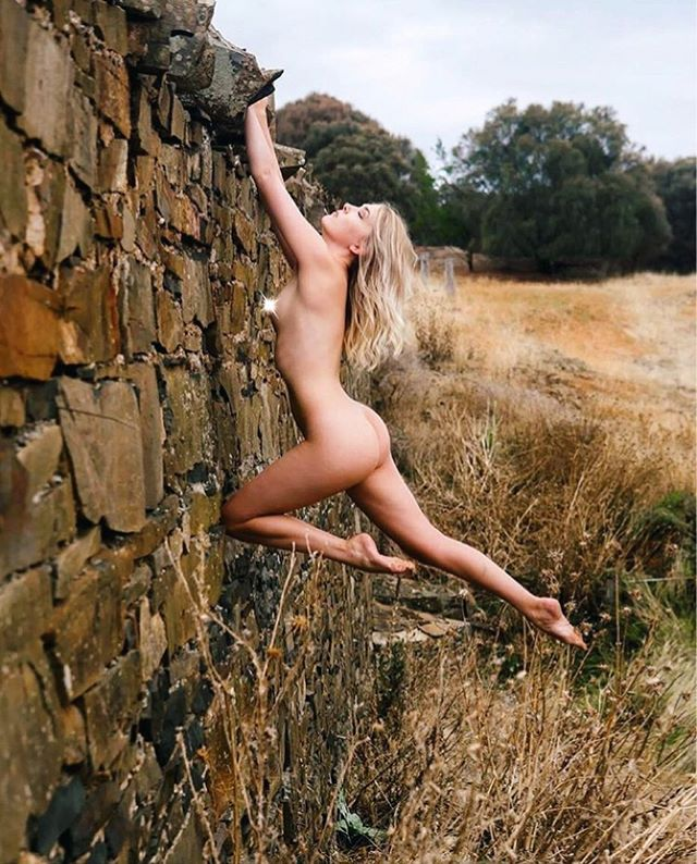 Taking flight in Tasmania by the always awesome @phototim199 🌞📷 #artisticnude #artnude #historical #architecture #tasmania #australia #wilderness #travel #adventure #roadtrip #nudeinnature #guerillaart #guerillanude #tourist #yoga #strength #balance #dance