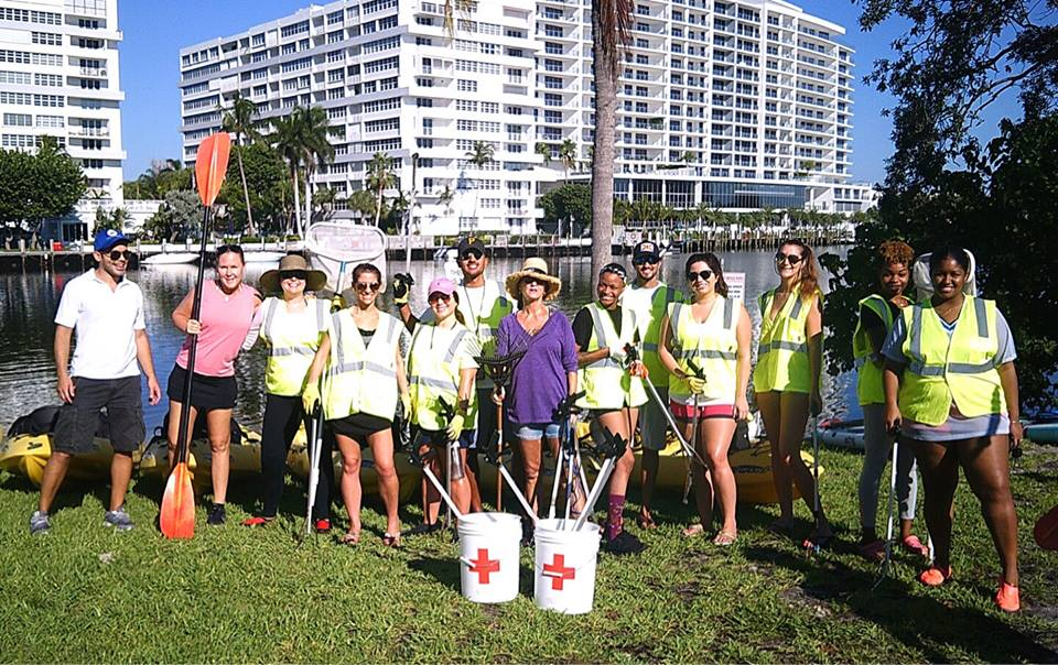 9/15/18 - Platinum Fundraising's volunteer project of September was Paddle With A Purpose, in partnership with Ocean International Conservancy's International Coastal Cleanup and Blue Mood Outdoor Adventures.