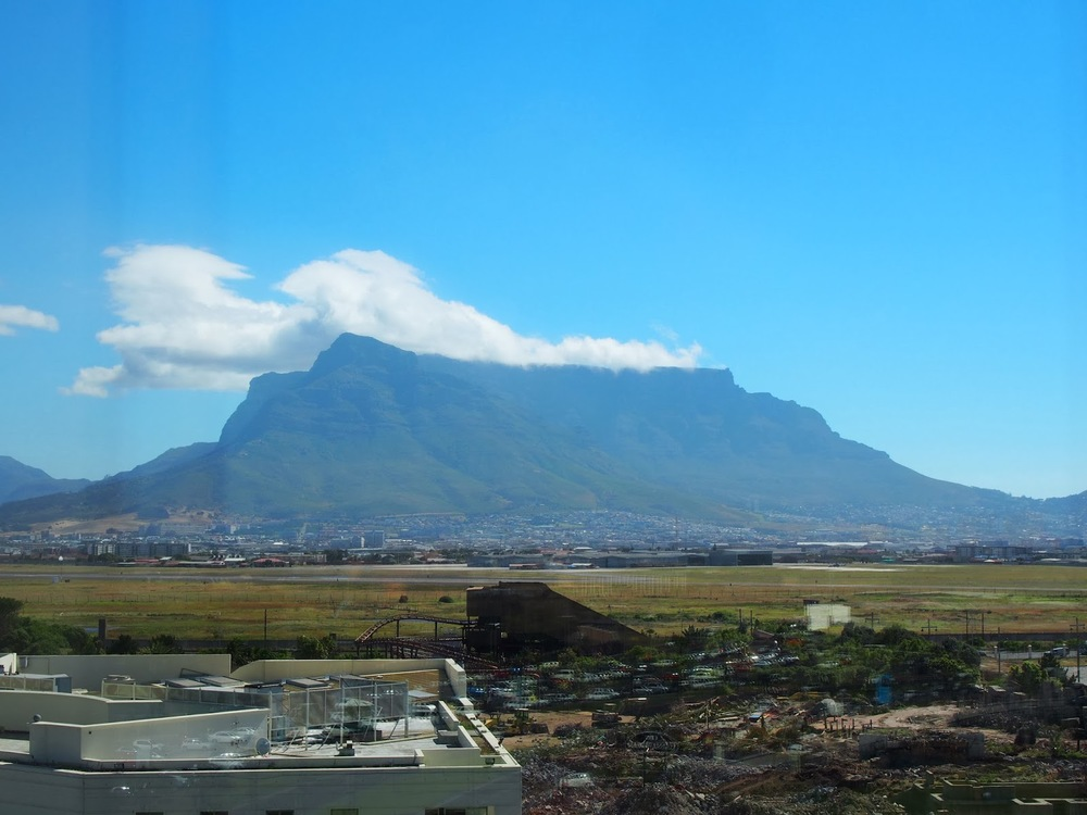 A view from our room, yes the Table Mountain, again ;')