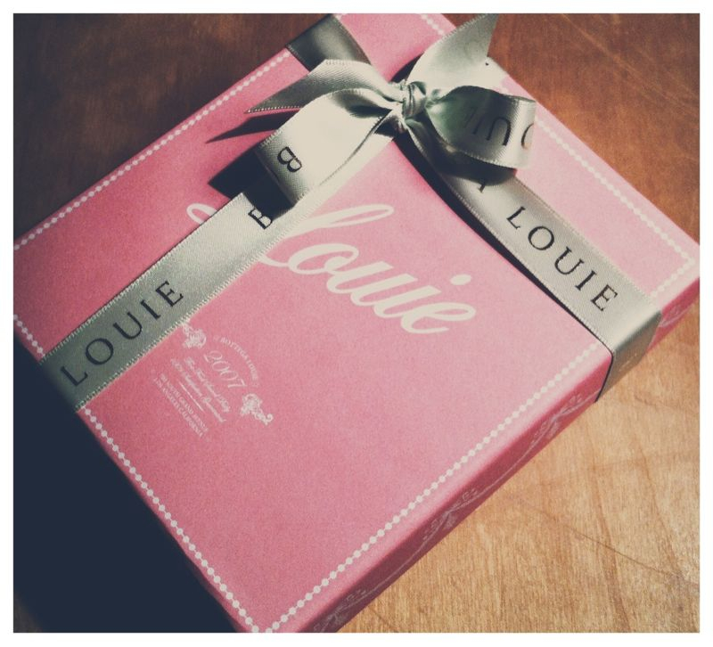A little surprise gift for you and your Mom, thanks to Uncle Mark and Auntie Kristina… Next time… Portos :-)