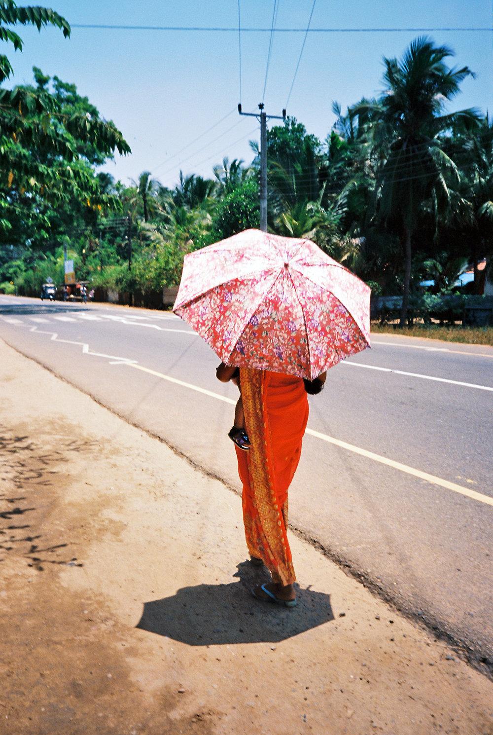 srilanka_woman_film.jpg