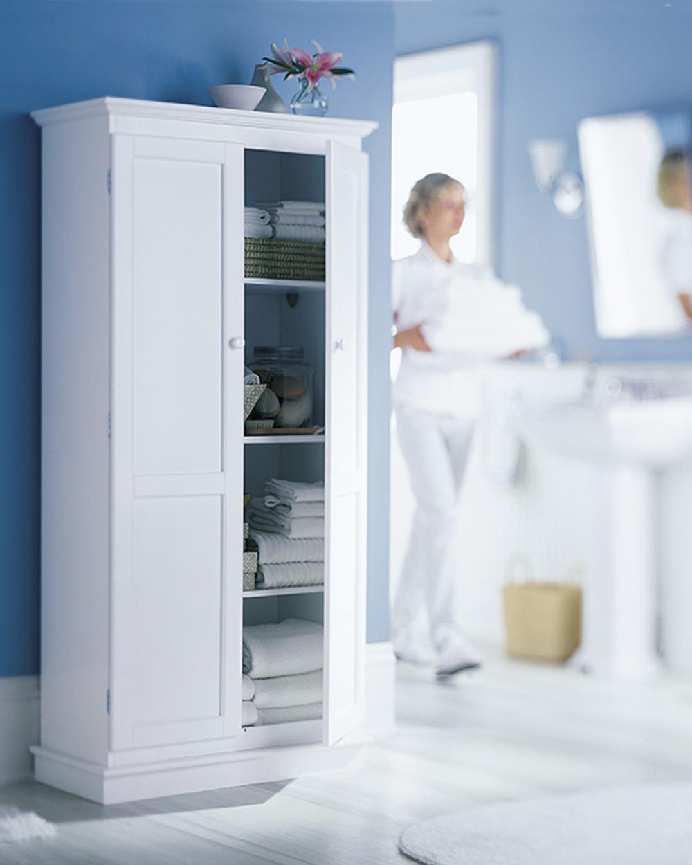 B'stone bath cabinet test R_2Kpx.jpg