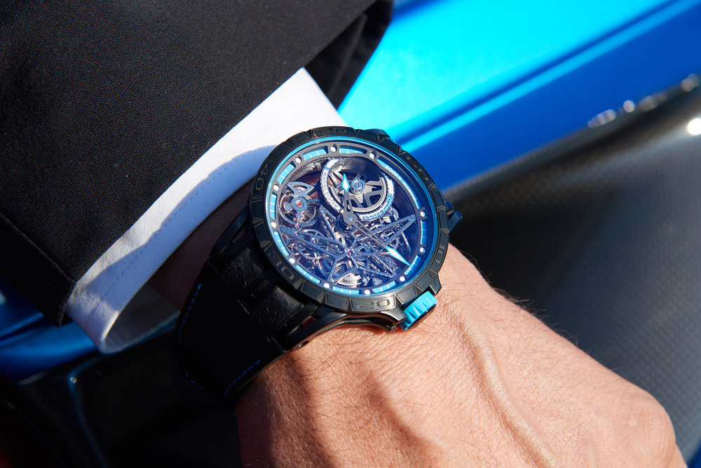 Pirelli bleu.jpg