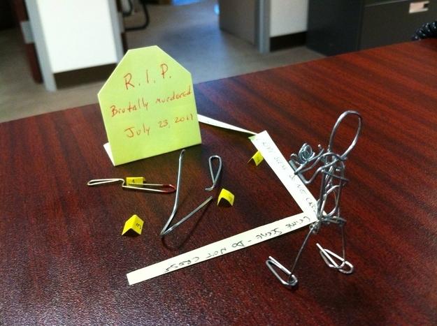 Recreate a crime scene starring paper clips