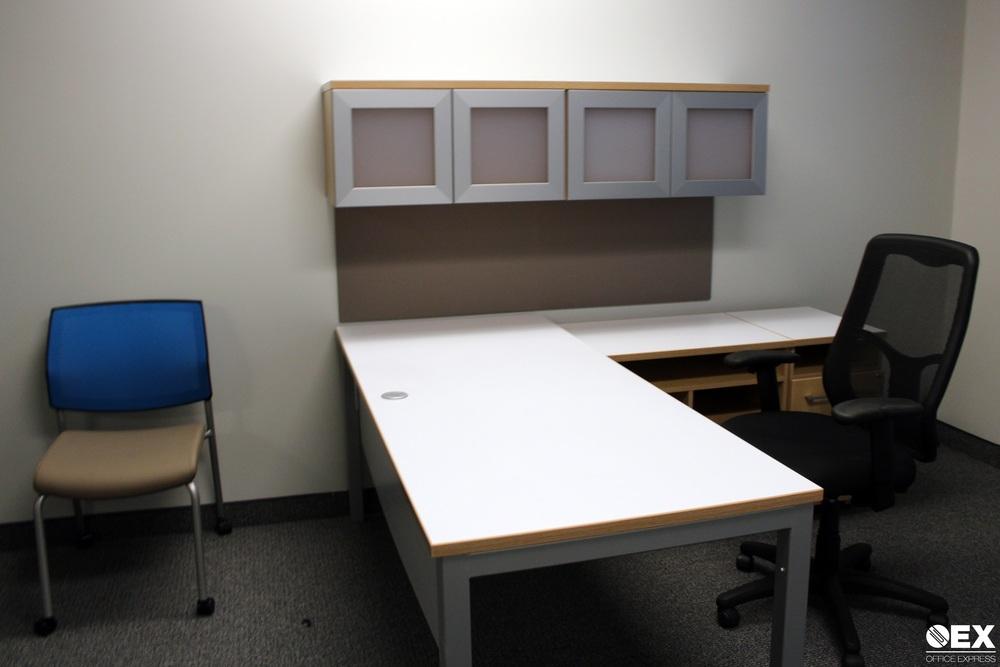 L Desk.JPG