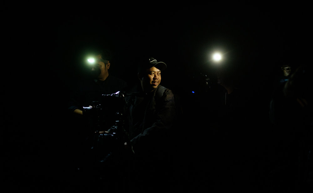 Para peserta menggunakan head lamp untuk membantu penerangan selama di lokasi. In frame:  Angga  Fujifilm X-T2 | XF 23 f/1.4